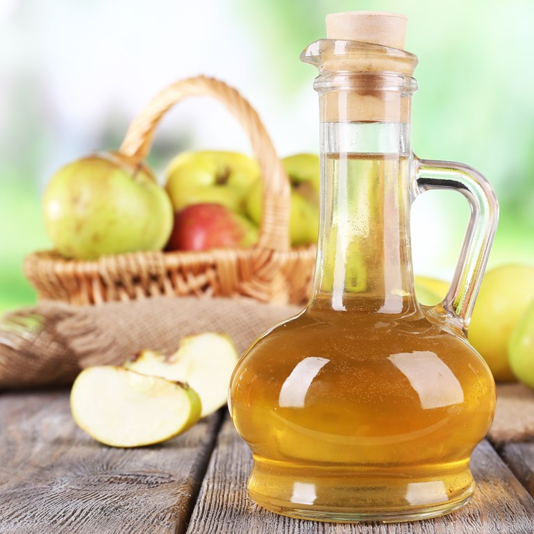 Make Your Own Apple Cider Vinegar Rinse