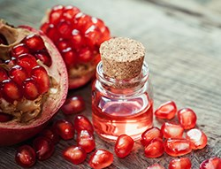 Organic Pomegranate Oil Facial Skin Care