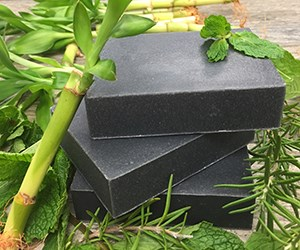 Natural Organic Charcoal Sgampoo