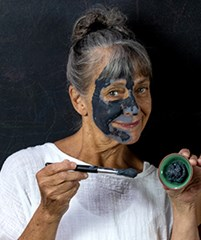 Charcoal-Facial-Clay-mask
