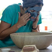 How-to-use-facial-clay-masks
